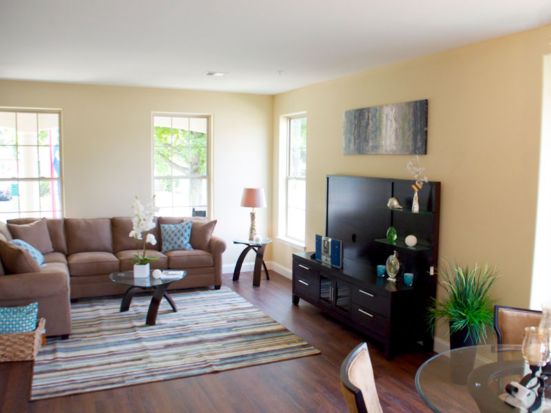 east-hills-family-room-4jpg