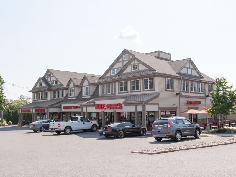 shoppes-at-woods-tavern-2jpg-1